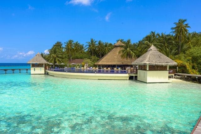 voyage_maldives_plage_bungalows